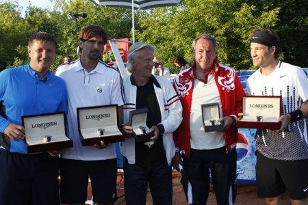 Сильнейшие мира тенниса подтвердили свои титулы
