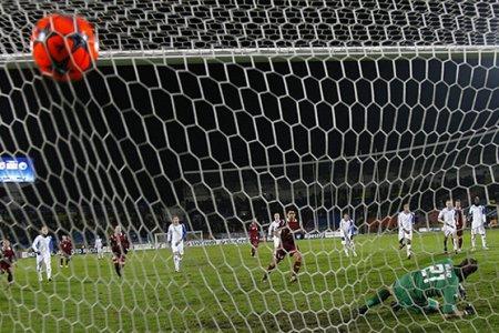 Когда была изобретена футбольная сетка для ворот