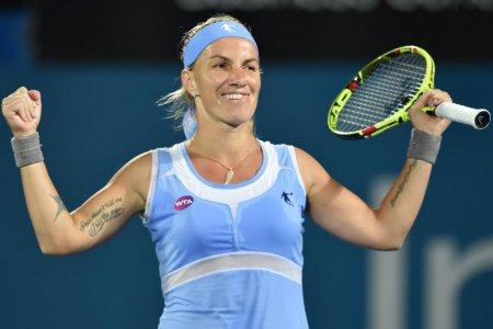 Кузнецова прошла в четвертьфинал турнира в Майами