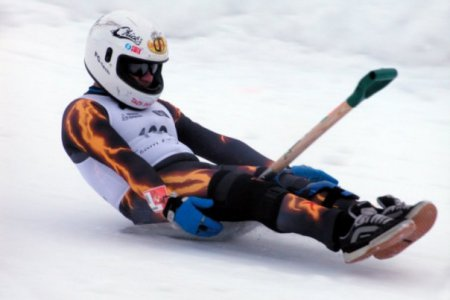 Лопата – лучший снаряд для преодоления снежных склонов