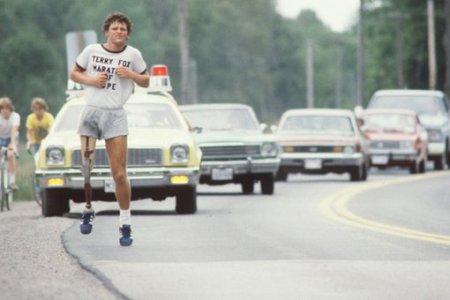 Терри Фокс пробежал всю Канаду с ампутированной ногой
